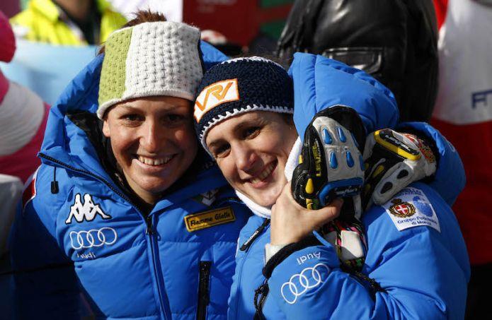 Le sorelle Fanchini dalla neve al teatro