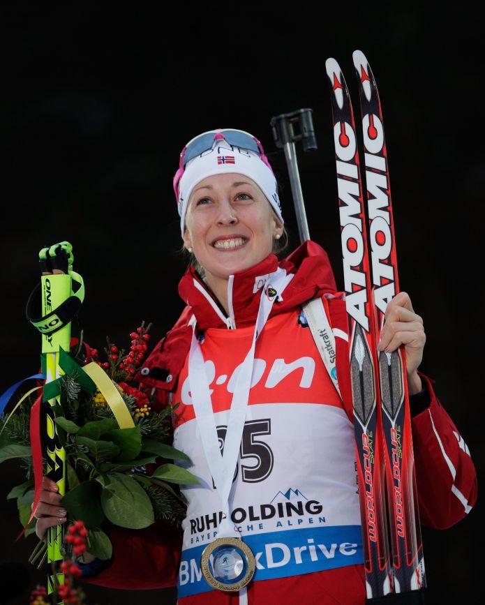 Fanny Horn fa saltare il banco nella sprint di Ruhpolding. Domracheva 'mangia' 18 punti a Mäkäräinen