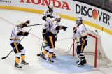 NHL: Chicago abdicates, Blues and Predators in quarterfinals